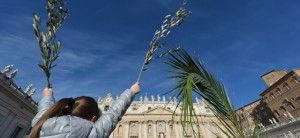 VATICAN-POPE-PALMS